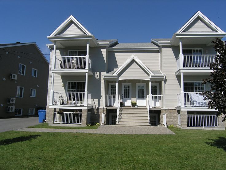 2 BEDROOM CONDO. 6 Rue de la Cooperative, Apt. E2, Rigaud. $150,000.VENDU - SOLD!