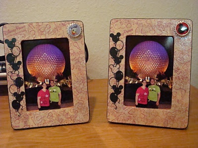 What a great idea! DIY decoupage Disney photo frame made from WDW napkins. Yes, you can even use something normally thrown in the trash without a second thought. Speaking of thought, this idea took alot of it. Wow, your photo's from your vacation to Disney are even more special in these frames.