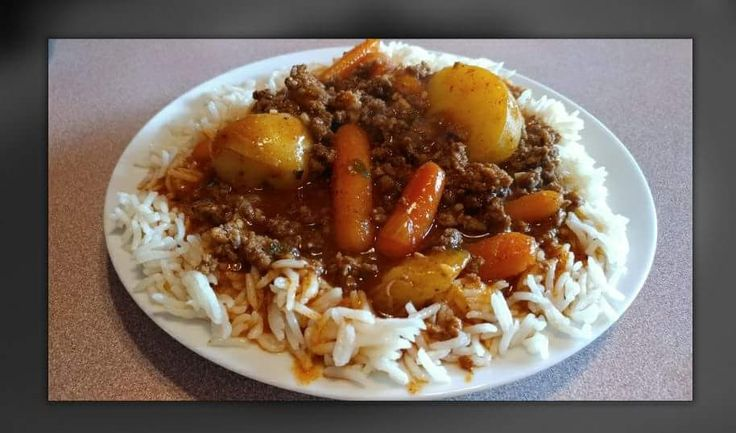 This is a Poor Man's Ground Beef Stew.   3 lb. ground beef, browned and drained   1 small  bag baby dutch potatoes cut in half   12 oz b...