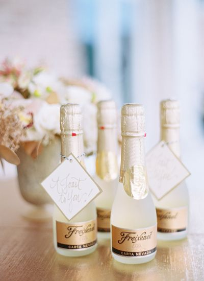Everyone Loves Bubbly Favors! #wedding #favors #southernwedding