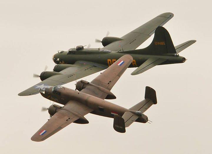 B-25 Mitchell and B-17 Shoreham Airshow 2013 By John5199