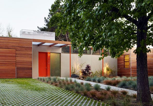 the Vai Avenue Case Study House is a Net-Zero Energy / Carbon Neutral single family home