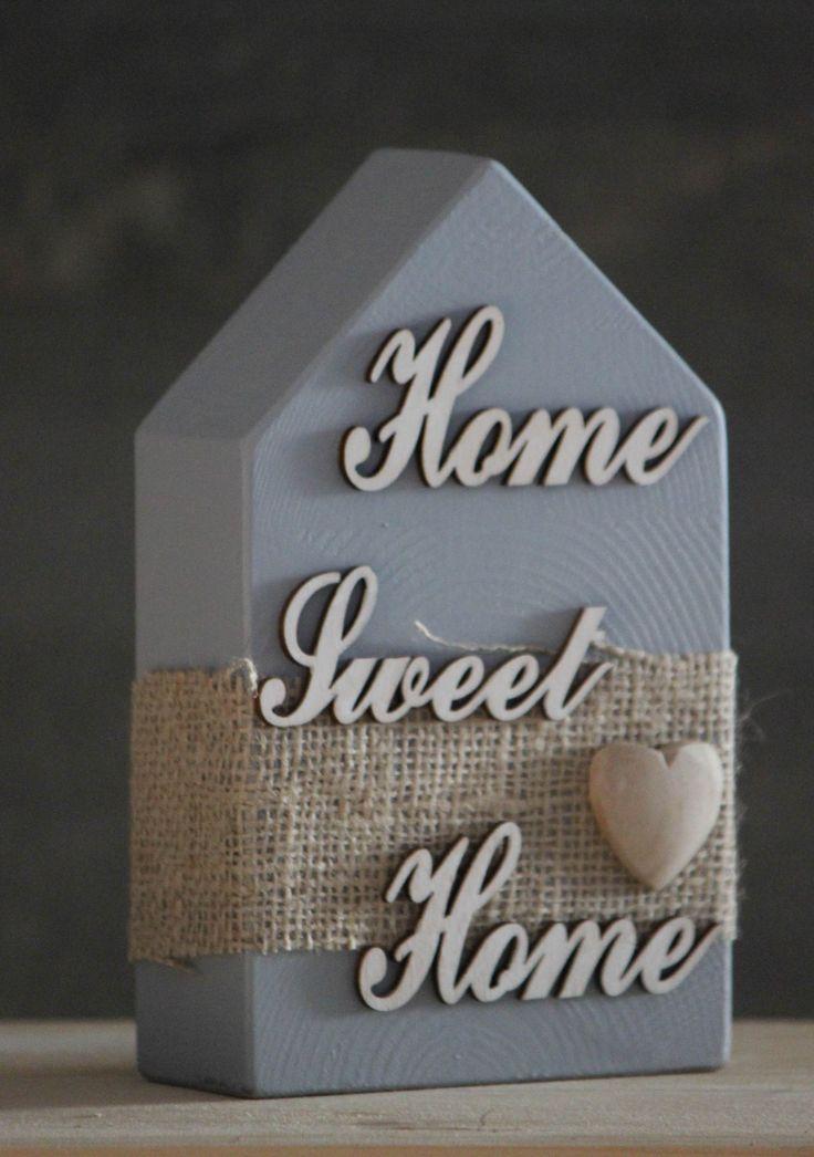 Casetta in scarti di legno lamellare con scritta 150x45