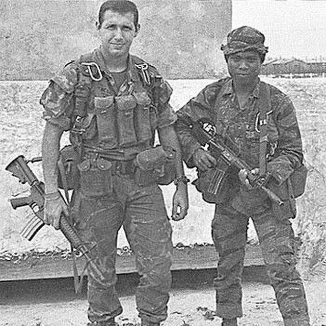 MACV-SOG commando and an Indigenous Team Member. #vietnam #erdl #tigerstripe #xm177 #macvsog #sf #greenberets #montagnard #army #navy #airforce #coastguard #usmc #nationalguard #military #history #vietnam #vietnamwar