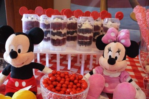 Mickey Mouse Cake Push Pops