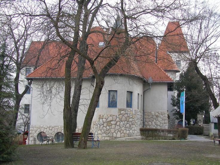 Óvoda. Városmajor utcai elemi iskola és óvoda. Tervezte: Kós Károly 1910, megépült: 1911 november.