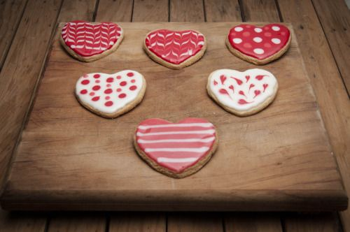 Galletas en forma de corazon para tu amor! #galletas #amor #cookies #love #decoracion #heart #panharinezumi #mexico #polkadot #kitchen #valentines #sanvalentin
