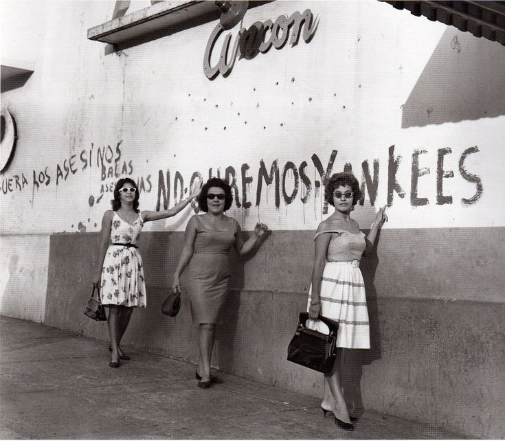 A recently released bilingual retrospective of Moya's work revisits some of the iconic moments in Latin American history that he captured.