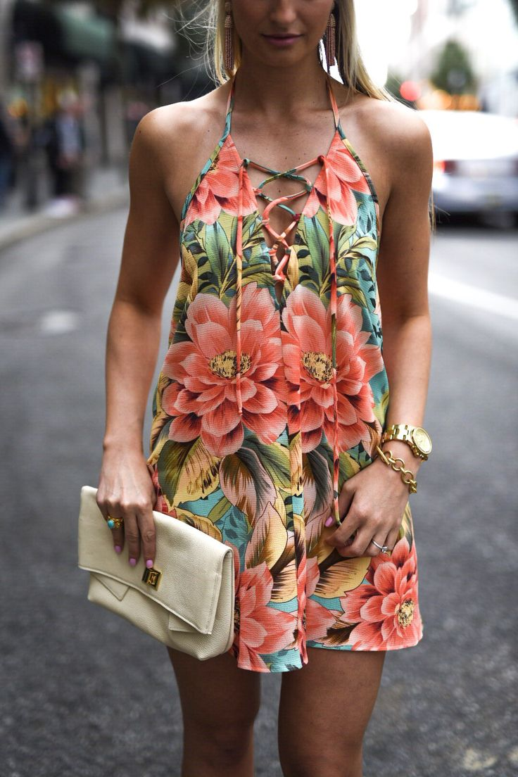 Start planning for the new spring wardrobe as soon as the temperature shows the tiniest signs of warming up. That's why we collect the most trending...