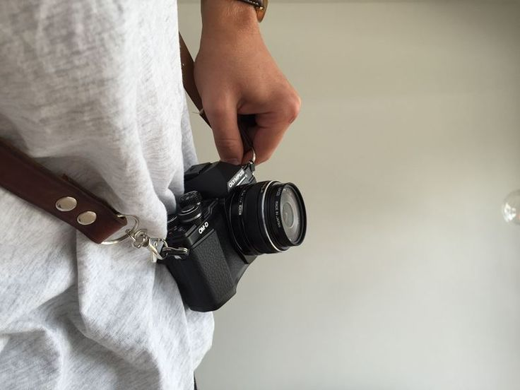DIY camera strap of old leather  belts.   Check the video now!