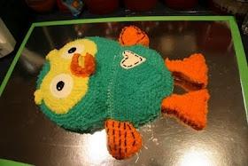 Hoot the owl cake at segoviadreams.blogspot.com