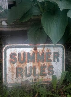 You guys know the only rule, right? ;) Yes, summer rules. But did you know that there are also summer RULES? Haha. Wink, wink...