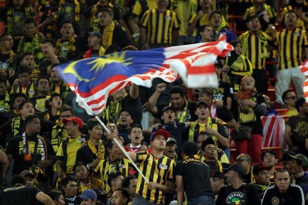 Ranking Malaysia Naik Empat Anak Tangga Ke-157 Dunia   Malaysia menaiki empat anak tangga untuk menduduki tempat ke-157 dalam ranking terbaharu Persekutuan Bola Sepak Antarabangsa (FIFA) pada Khamis.  Skuad Harimau Malaya yang memperoleh 64.6 mata selepas seri tanpa jaringan dengan Filipina dalam perlawanan persahabatan antarabangsa Kelas A di Manila baru-baru ini membantu Malaysia mengumpul sejumlah 146 mata untuk menapak naik daripada kedudukan ke-161 dalam ranking itu.  Malaysia kini…