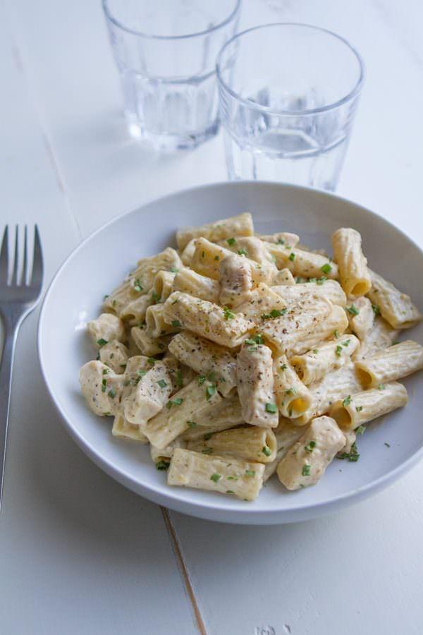 Creamy Pesto Alfredo Chicken Pasta