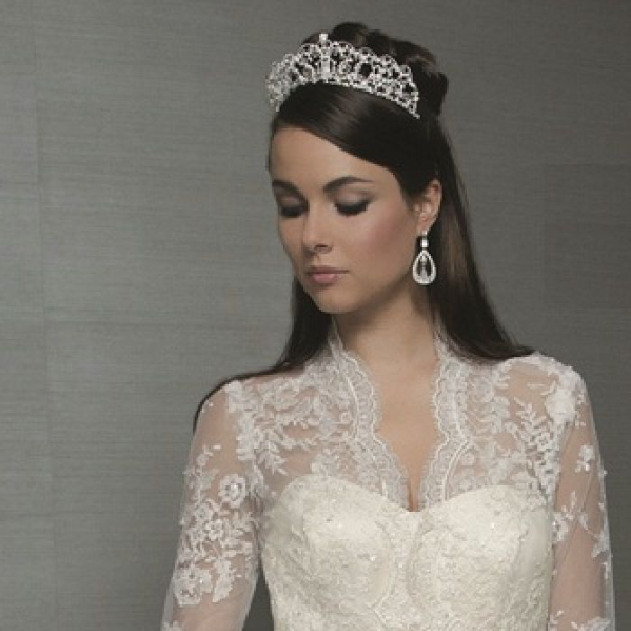 Best For Wedding Hair With Tiara Hairstyles Long Design 350x350 Pixel