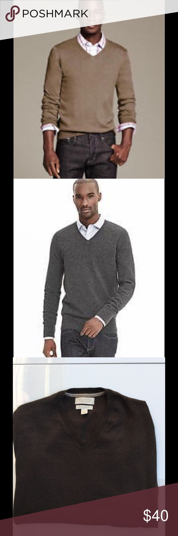 Banana Republic Men's V Neck Sweater Banana Republic Men's V Neck Cotton/Cashmere Sweater. Size is large, in a chocolate brown color. Sweater is very soft and in excellent condition. Looks great with khakis on a date. Pet free smoke free home. Next day shipping. Banana Republic Sweaters V-Neck