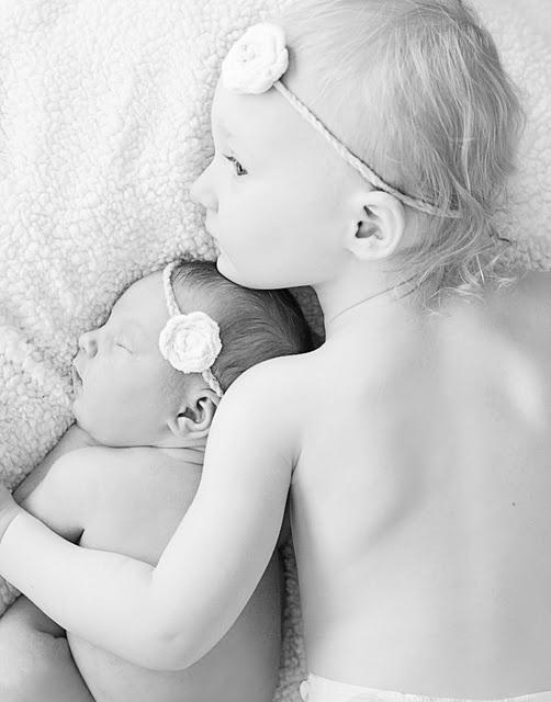 newborn baby photography sibling