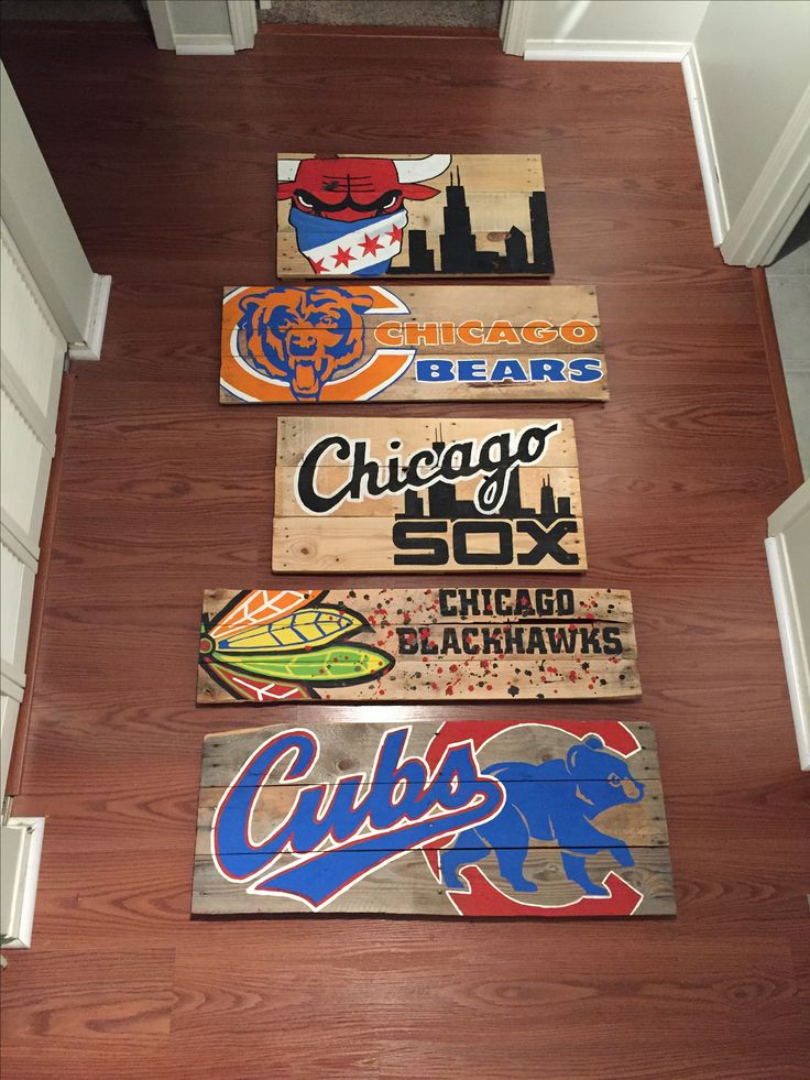 Chicago team sport reclaimed pallet wood signs Wood