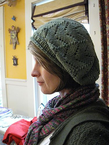 Meret Beret Knitting Pattern : 535 best images about Knitted Hats and Headbands/Earwarmers on Pinterest Fr...
