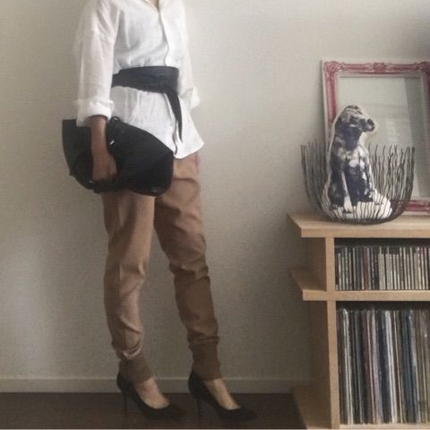 ユニクロのプレミアムリネンシャツ♡   クローゼットは3色でいい