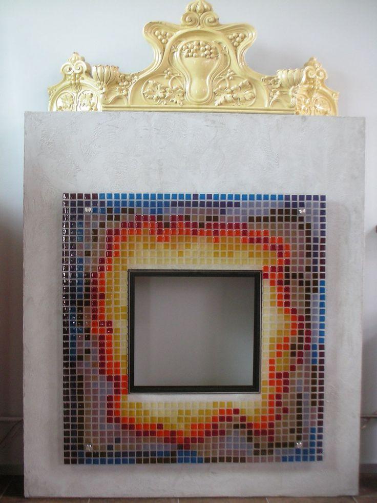 Szklany portal kominkowy - mozaika fusingowa z manufaktury Riwal. Fusing. Fused glass.