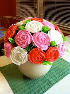 A simple and yet effective tutorial on how to do a cupcake bouquet.