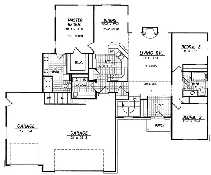 Great mudroom laundry 3 car garage 1600 sq ft so for House plans with laundry room attached to master bedroom