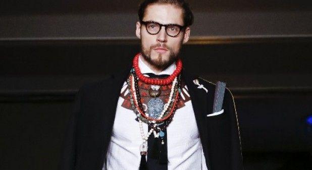 Accesorios y joyería toman cada vez más fuerza en la moda masculina estadounidense