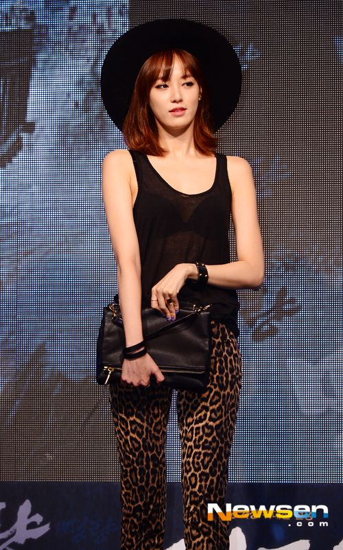 """After School's Jooyeon at the """"Roaring Currents"""" VIP premiere on July 21, 2014"""