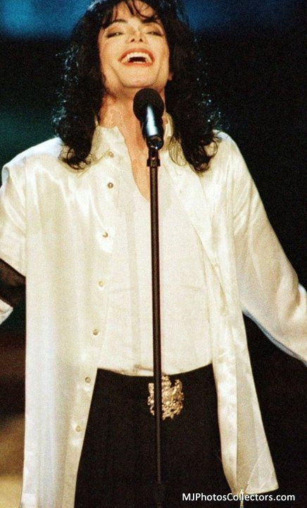 MJ-He was always happiest performing for his fans !!