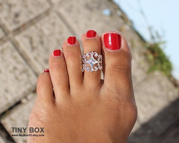 Victorian Toe Ring  Foot Jewelry  Toe rings by by TinyBox12, $11.99