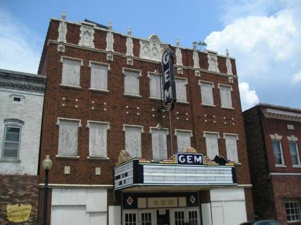 Abandoned Theater Cairo IL