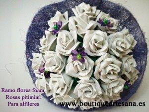 Ramo flor artesana foam. Rosa pitimíní.