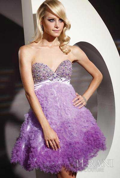 vestido violeta con brillos suave