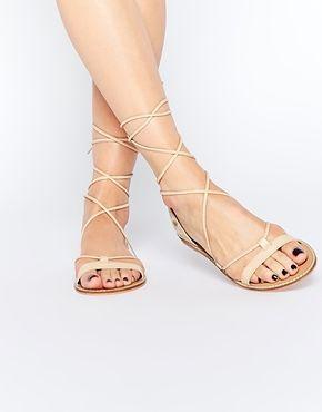 asos fate sandales brod es en cuir avec lacets chaussures pinterest asos jambes et cuir. Black Bedroom Furniture Sets. Home Design Ideas