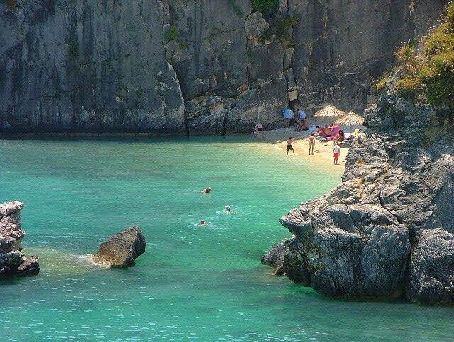 Xigia Caves