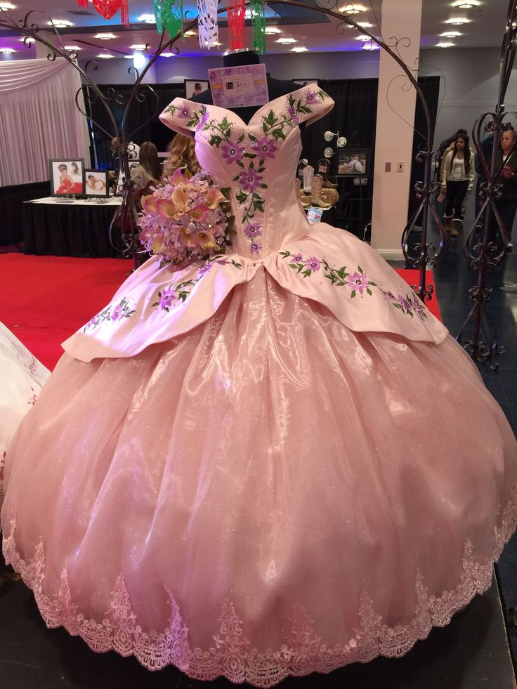 Best 25+ Mexican quinceanera dresses ideas on Pinterest ...
