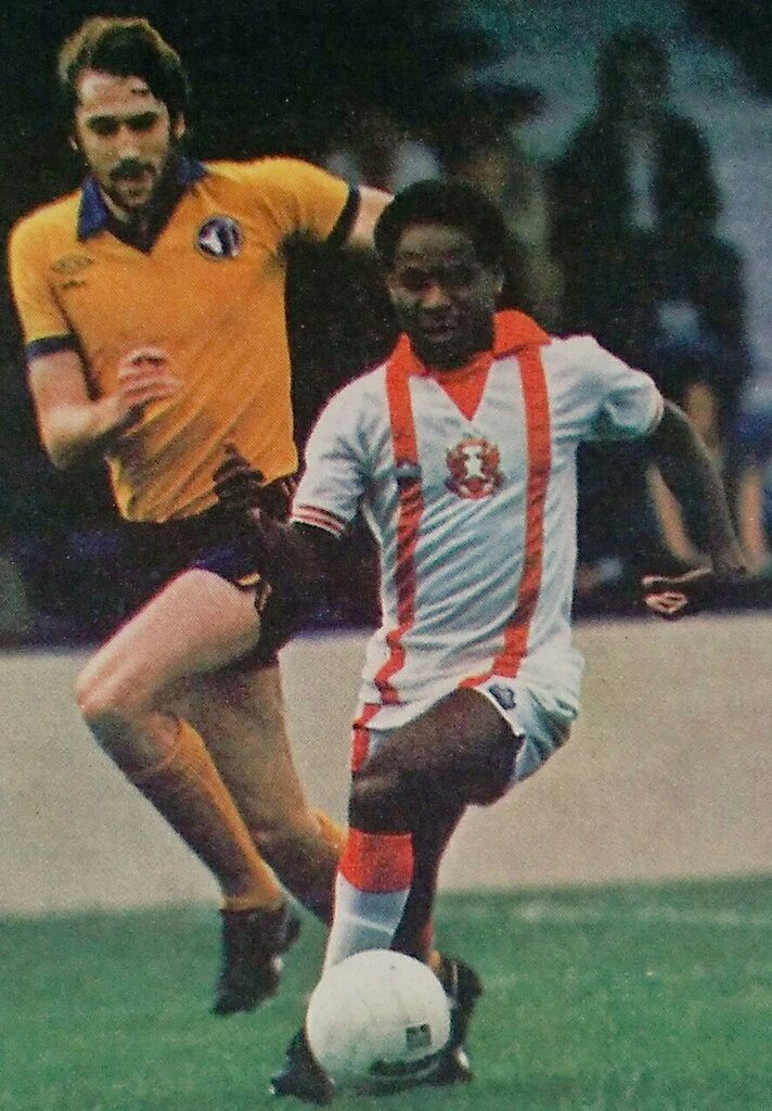 Orient 0 Mansfield Town 1 in Aug 1978 at Brisbane Road. John Chiedozie on the ball for Orient in the Anglo Scottish Cup, Group 4.