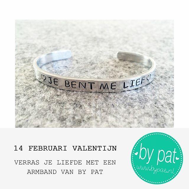 14FEB – Valentijn ♥ Verras je liefde met een persoonlijk cadeau! Een BY PAT armband met eigen gekozen tekst & symbooltjes! – www.BYPAT.nl #BYPAT #bypatarmband #slagletterarmband #slaglettersieraden #tekstarmband #valentijn #valentine #valentijnsdag #valentijnscadeau #naamarmband #metalenarmband