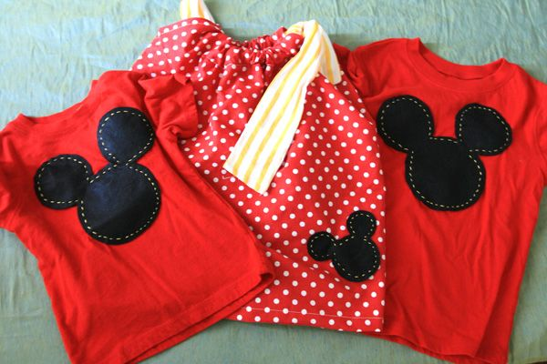 I so want to do this one day! Surprise the kids with a Disneyland trip and have a bunch of cute clothes for them to wear at the park!