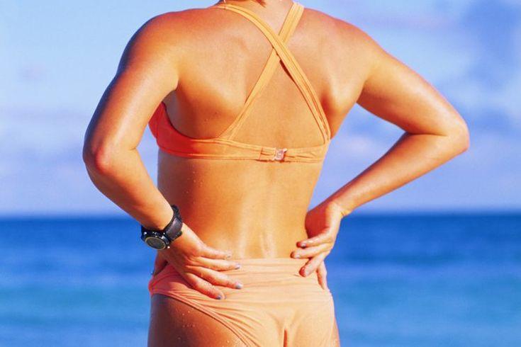 Cómo mejorar tu postura con un rodillo de espuma. Tener la postura adecuada, mantener las partes de tu cuerpo bien alineadas, equilibradas y apoyadas, ayuda a prevenir el dolor de espalda y permite el funcionamiento adecuado de tus músculos, articulaciones, pulmones, y otros órganos, dice el ...
