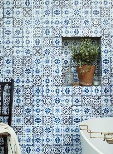 Acapulco Lozano, Zenil and Salazar wall tiles and Kyoto bath. http://www.firedearth.com/tiles/range/acapulco/mode/grid