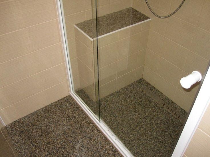 Krásná koupelna z říčního kamínku TopStone. Děkujeme za zaslané fotografie našim zákazníkům :) Užijte si den !  #topstone #mramorovýkoberec #kamennýkoberec #říčníkamínektopstone #koupelna #interiér
