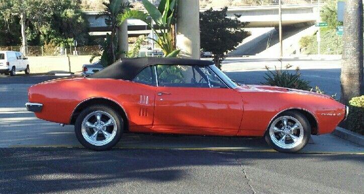 """1967 Pontiac 400 Firebird in """"Hugger"""" Orange"""
