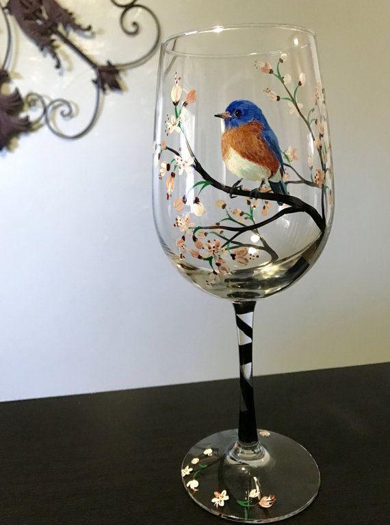 Pájaro azul pintadas de vino vidrio blanco Cherry Blossom