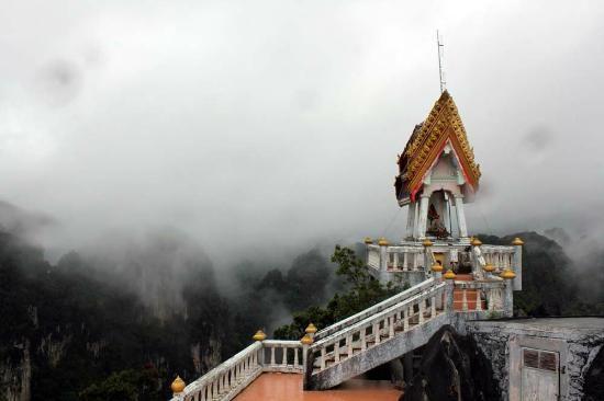 Tiger Cave Temple (Wat Tham Sua) - Krabi
