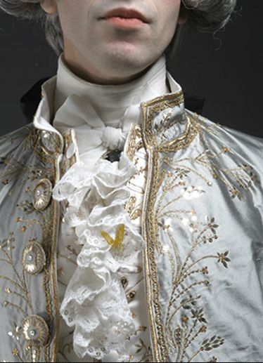 18th Century French fashion detail.  Gorgeous!  Re-creation on the website:  www.chenillesetpapillons.com