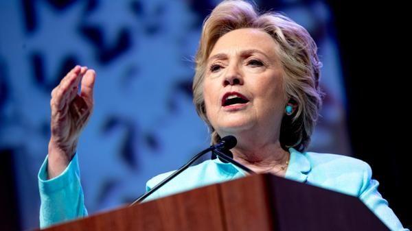 """Hillary Clinton criticó el plan económico de Donald Trump: """"Beneficiará a los más ricos"""" - http://diariojudio.com/noticias/hillary-clinton-critico-el-plan-economico-de-donald-trump-beneficiara-a-los-mas-ricos/204552/"""