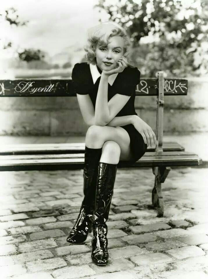 Marilyn Monroe #assise