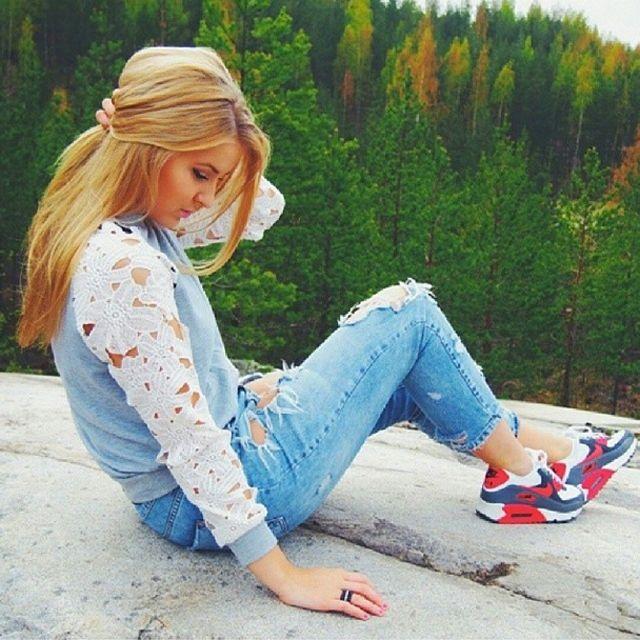 hot sale online faf1d e81ed teen babes in air max